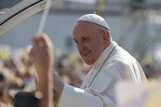 Pápež urobil