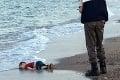 Zábery, ktoré zachytávajú skutočnú ľudskú tragédiu: Chlapček chcel ujsť pred vojnou, svoj boj o život prehral