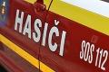 Mali plné ruky práce: Deväť hasičov likvidovalo požiar stodoly v Kameňanoch