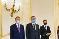 Najvyšší ústavní činitelia si zakrývajú tvár svojpomocne: Chránia ich rúška dostatočne?!