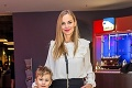 Slávnostná premiéra rozprávky: Schindlerová ukázala deti, Haasová prsia