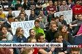 Svetovo uznávanú odborníčku vykopli z STU zo dňa na deň: Študenti si exdekanku vybojovali späť