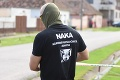 Ďalší zásah NAKA: V rámci protidrogovej akcie zadržali päť osôb