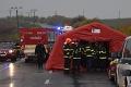 Smrtiaca nehoda autobusu so školákmi pri Nitre: Politici vyjadrujú sústrasť rodinám obetí