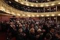 V Česku sa lúčili s Chramostovou († 92): Národné divadlo praskalo vo švíkoch, prišli aj veľké hviezdy