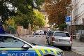 Pri útoku v nemeckom Halle prišli o život muž a žena: Zranení sú ďalší ľudia