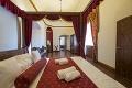 Unavujú vás už klasické hotelové priestory? Zámocký hotel The Grand Vígľaš je potom pre vás tým pravým miestom