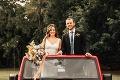 Rozprávkový príbeh zaľúbencov skončil svadbou: Ich fotka spred 20 rokov vám roztopí srdce