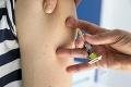 Japonsko začalo očkovať osoby nad 65 rokov: Rastú obavy z novej vlny