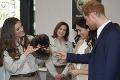 Harry a Meghan dostali pre svoje bábo množstvo darčekov: Z jedného však obaja zostali v pomykove
