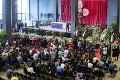 V Janove si uctili obete pádu mosta štátnym pohrebom: Rodiny niektorých zomrelých ceremóniu bojkotovali!