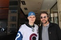 Nečakaný moment v zápase NHL pod holým nebom: Legendárny exhokejista vyspovedal v hľadisku Slováka!