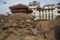 Už umiera aj posledná nádej: Nepál začali opúšťať zahraniční záchranári i horolezci