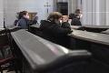 ONLINE Koronavírus na Slovensku: Minister školstva zvažuje otváranie škôl, toto prichádza do úvahy!