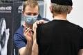 Dánsko zvládlo skúšku masívnej vakcinácie: Rekordný počet zaočkovaných za jediný deň