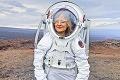Japonský miliardár hľadá 8 ľudí na let okolo Mesiaca: Slovenka Michaela v užšom výbere, posadí sa vedľa Maezawu?