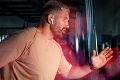 Kráľ Oktagonu onemel? Tipni si, čo počúva Attila Végh a vyhraj horúcu novinku Huawei FreeBuds 4i