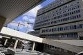 Prešovská nemocnica má na 80 percent obsadené covidové lôžka: Jedného pacienta previezli do Poľska