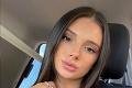 Brunetka ponúka svoje pikantné fotky na internete: Na účte jej mesačne cinkne krásna sumička