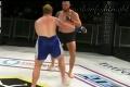 Len pre silné povahy: Nechutná zlomenina v zápase MMA
