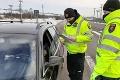 Čaká nás výrazné zvýšenie kontrol: Na dodržiavanie opatrení si posvietia policajti a vojaci