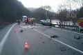 Smrteľná nehoda v Ružomberku, cestu uzavreli: Z tých fotiek vás zamrazí