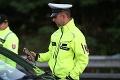 Polícia kontrolovala stovky ľudí na platný test na COVID-19: Kuriózne odhalenie