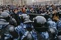 Prívrženci chcú zachrániť Navaľnému život masovým protestom: Načasovanie sa Putinovi páčiť nebude