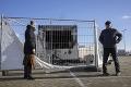 V Holandsku to vrie: Ľudia protestujú proti reštrikciám, testovacie miesto ľahlo popolom