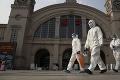 USA chcú opätovné prešetrenie pôvodu koronavírusu, Číne došla trpezlivosť: Reakcia na seba nenechala dlho čakať
