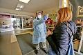 Situáciu majú zatiaľ pod kontrolou: Zvolenská nemocnica bola jednou z prvých na Slovensku, ktoré sa včas zariadili