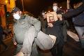 V Izraeli vyšli do ulíc tisícky frustrovaných ľudí: Netanjahu, odstúp!