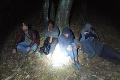 Muža z Ukrajiny obvinili z prevádzačstva: Afričanov a Sýrčana ťahal po slovenských lesoch dva dni