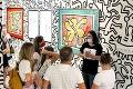 Na východe Slovenska nájdete obrazy slávneho umelca: Vystavujú diela kamoša Madonny