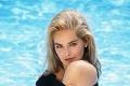Herečka Sharon Stone zverejnila fotku pri bazéne: Ľudí okamžite upútal jeden detail