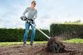 Viete, ktorý nástroj v záhrade vám ušetrí najviac bolesti chrbta?