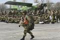 Rusko sťahuje vojakov z oblastí pri hraniciach s Ukrajinou: Tak rýchlo to však nebude