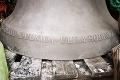 Najväčšiemu zvonu v Dubnici nad Váhom vdýchli nový život: Veriaci zajasajú, 600-kilogramový obor je už na svojom mieste