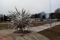 V Dudinciach pribudol krásny monument, Imro si neodpustil poznámku: Táto podobnosť sa nedá zaprieť!
