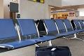 Bizarný príbeh z poľského letiska: Mohla toto žena zahlásiť počas kontroly batožiny?!