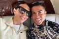 Cristiano Ronaldo oddychuje s partnerkou v súkromnom lietadle: Luxus za 25 miliónov eur