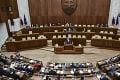 Parlament opäť schválil vrátený zákon: Na pripomienku prezidentky sa plénum vykašlalo