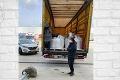 Polícia zaistila v Štúrove skupinku migrantov z Afganistanu: Kamionista ich objavil v nákladnom priestore