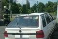 Dopravná nehoda v Martine: Hasiči museli z auta vyslobodiť zakliesnenú osobu, ranení sú aj ďalší