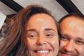 Český spevák s manželkou prechádzali krízou vzťahu: Riešenie, ktoré nepochopí každý