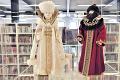 Ruské bábiky v Košiciach predvádzajú módu z čias Romanovcov: Unikáty ležali v krabiciach 18 rokov