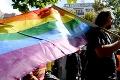V Budapešti sa vo veľkom protestovalo: Návrh homofóbneho zákona vyhnal do ulíc tisíce ľudí