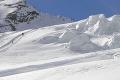 Tragédia vo švajčiarskych Alpách: Pri pádoch lietadla a vetroňa zahynulo celkovo päť ľudí