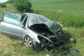 Nehoda v okrese Vranov nad Topľou: Došlo k čelnej zrážke vozidiel, cesta je neprejazdná