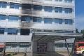 Pri požiari v košickej nemocnici evakuovali 60 pacientov: Škoda sa vyšplhala na státisíce eur